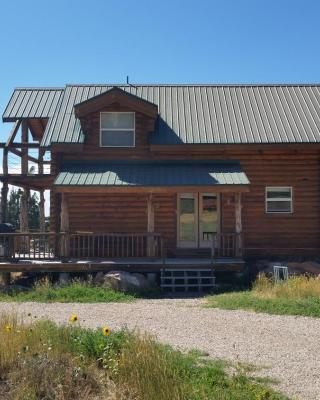 Pioneer 1 Cabin by Coyote Cabins
