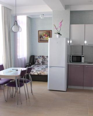 Apartment on Yuzhnykh Kultur 10A