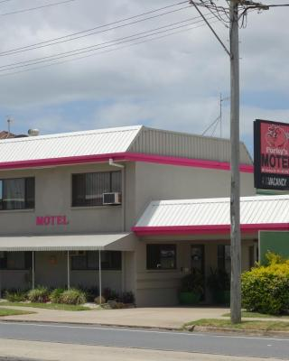 Porkys Motel