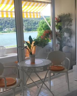 Ferienappartements Mit Top- Rheinblick