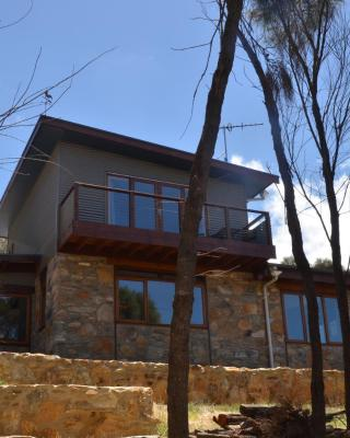 Of Stone and Wood Guesthouse