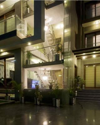 Asian Suites 585 IFFCO Metro