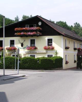 Pension Landhaus Ingrid B&B