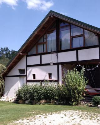 Casa Moeciu Family