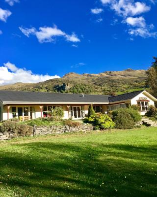Castle Hill Lodge Bed and Breakfast