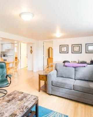 2 Bedroom Suite in Central Lonsdale