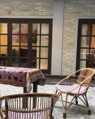 Hotel Granate Rouge