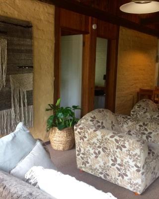 Banksia Mudbrick Holiday Units