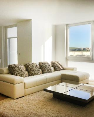Luxury Marina View Apartment