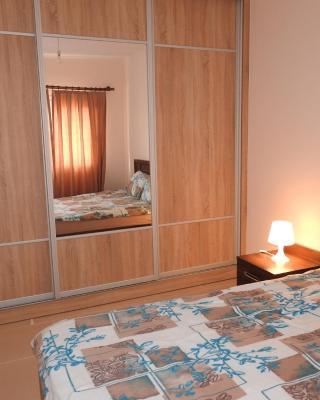 Aylin Apartment