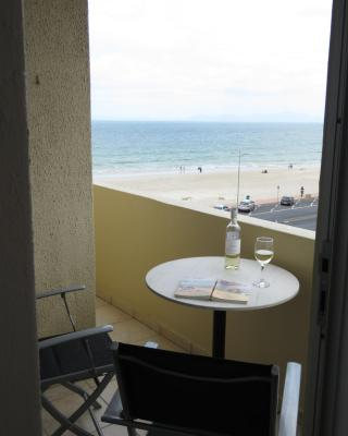 Beach Apartment Romilly