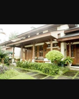 Vila Kota Bunga 5 Bedrooms