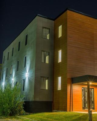 Clifton Hill Luxury Condo 4B
