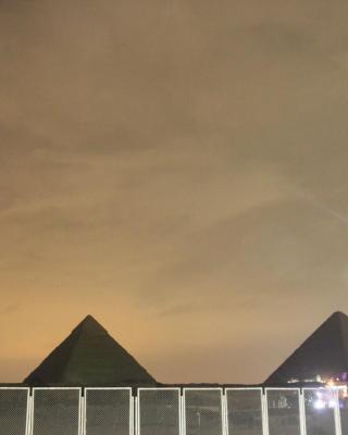 Farida Studio Pyramids view