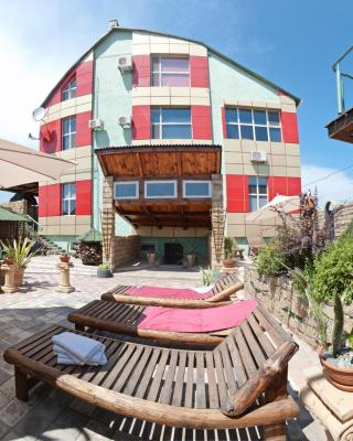 HOROSHO Guest Villa