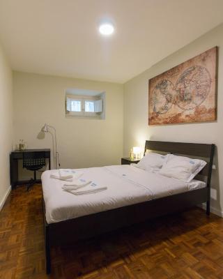 Change The World Hostels - Estoril