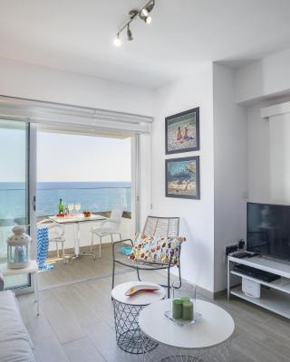 Mackenzie Zoe Seafront Suite, Larnaka – Updated 2019 Prices