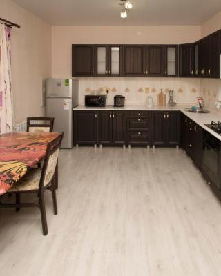 "Apartments Complex ""Kvartiry Posutochno"""