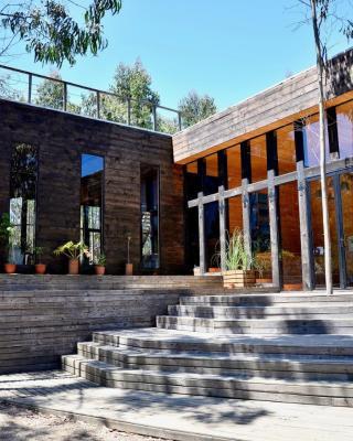 Tripanko Lodge & Bungalows