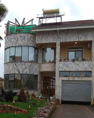 Shoshi's House.