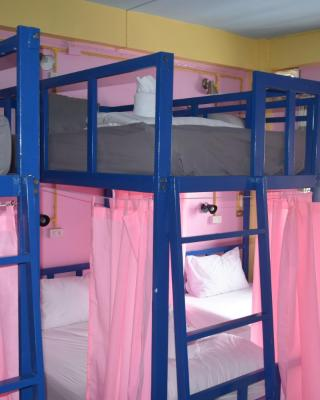 Gate way Hostel