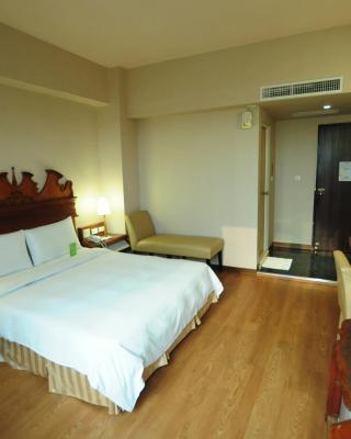 Kindness Hotel Wu-Jia