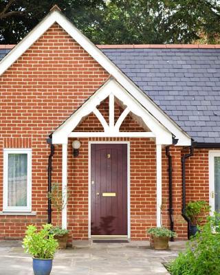 Ebury Cottages & Apartments