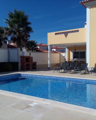 Vila Pool Beach Golf H4U Silver Coast