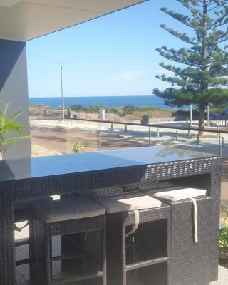 Mandurah beach front apartment