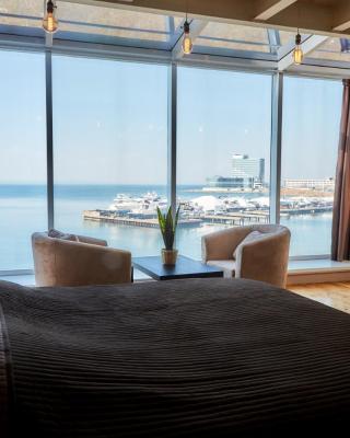 Sea View Apartment on Stanyukovicha