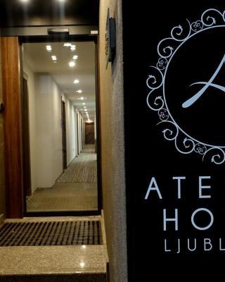アトリエ ホテル