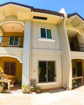 Dumaguete Yvonne's Little Villa