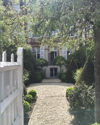 duplex/jardin Deauville centre
