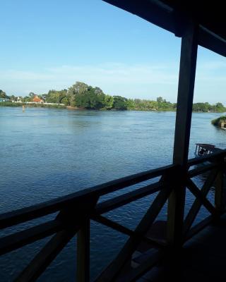 Champa Mekong Bungalows
