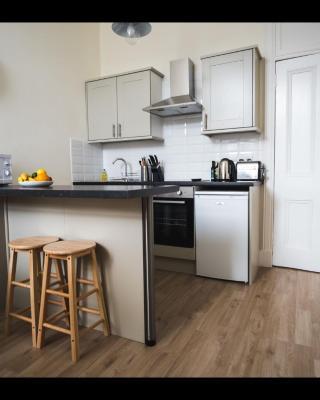Cedar Apartment