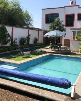 Casa con Alberca Climatizada