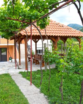 Guesthouse Bato