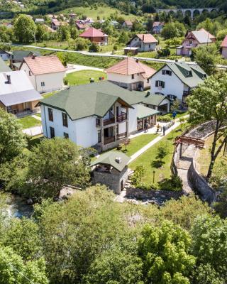 Rooms and Apartments Mirović