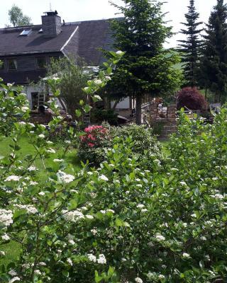 Ferienwohnung Aronia Garten