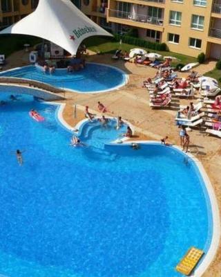 Pollo Resort Mikosta Apartments