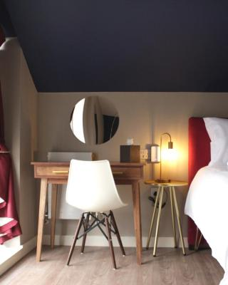 Aaron Wise - 62 Plantagenet Serviced Rooms