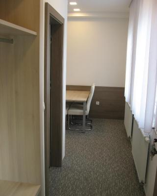 Apartmaji in sobe RaMar