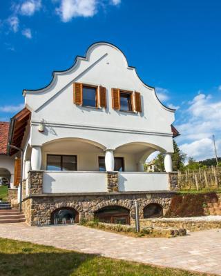 VIVAZA Villa Szigliget