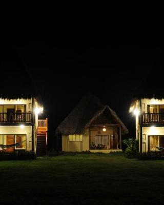Las Palmeras Beach Hotel