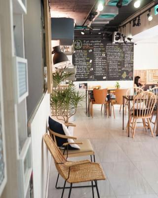 NiHao Café Hotel