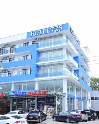 Hotel 725 B