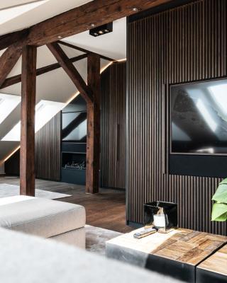 Limmatquai River View Apartment With Jacuzzi