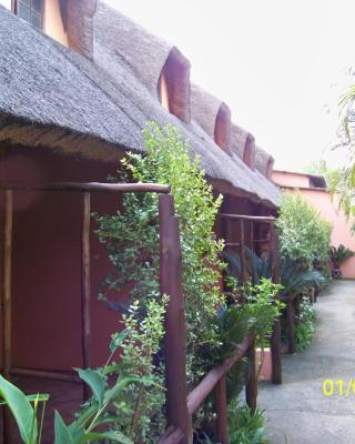 Umfolozi Riverlodge & Birdpark