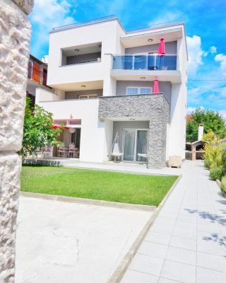 Apartments Maritea