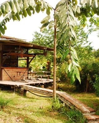 MARACUMBO Camping y Cabanas